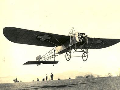 Oskar Bider beim Start der Alpenüberquerung 1913. Quelle: Wikipedia.
