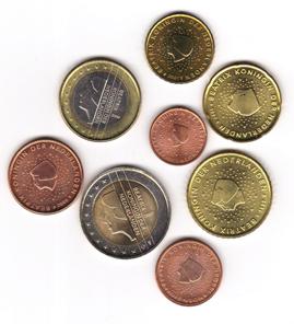 Ein Satz Euromünzen mit Königin Beatrix. Foto: Angela Graff