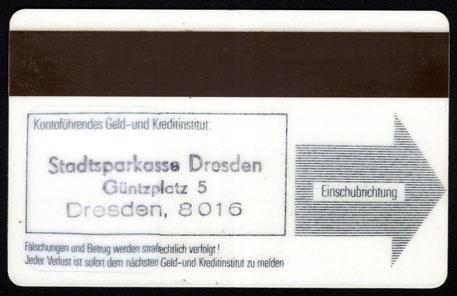 Geldkarte der DDR von beiden Seiten. Foto: Angela Graff.
