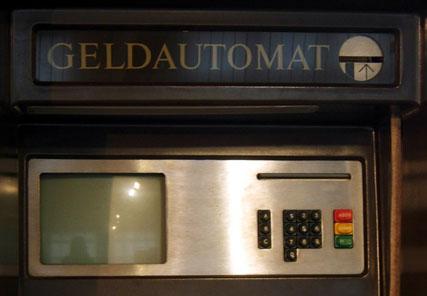 Bedienfeld des Geldautomaten. Foto: Angela Graff.