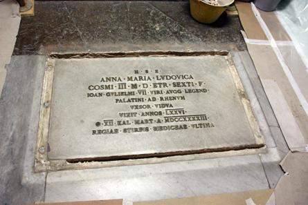 Grabplatte Anna Maria Luisa de' Medici. © Wilfried Rosendahl, rem.