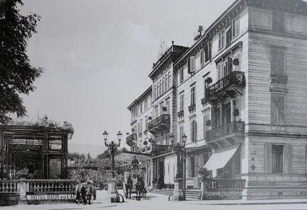 Das Hotel Baur au Lac, 1910. Quelle: Wikipedia.