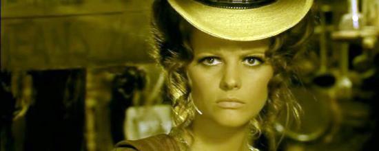 Claudia Cardinale in der Rolle der Jill McBain in Leones Spiel mir das Lied vom Tod (1968). Foto: Gawain 78 / Wikipedia.
