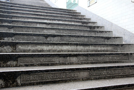 Stufen zur U-Bahn. Foto: Angela Graff.