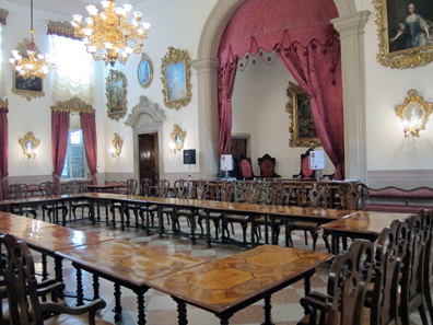 A look at the baroque courtroom. Photo: KW.