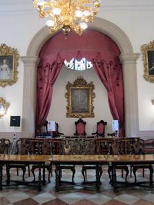Der Richterstuhl mit seinen drei Plätzen. Foto: KW.