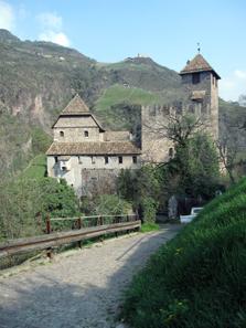 Runkelstein Castle from the outside. Photo: KW.