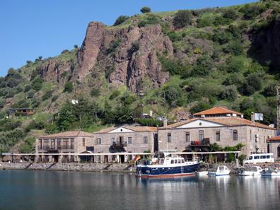 A little bit of paradise: Assos harbour. Photo: KW.