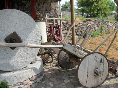 Reconstruction of a cart with disc wheels. Photo: KW.