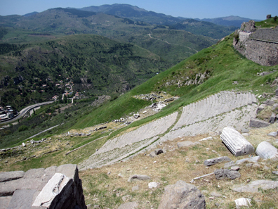 The theatre of Pergamum, perfectly fitted into the hillside. Photo: KW.