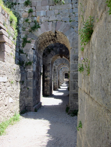 Fundaments of the Trajan Temple. Photo: KW.