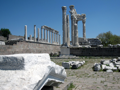 Trajan Temple. Photo: KW.
