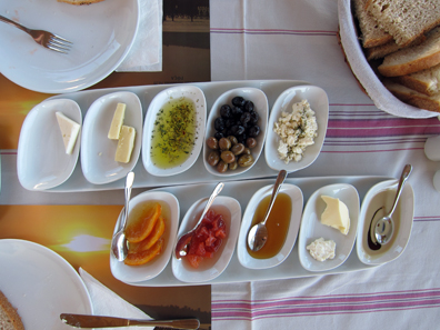 Part of the wonderful breakfast at the Hotel Erguvan. Photo: KW.