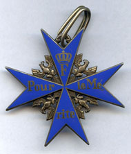 From the upcoming orders sale of auction house Künker / Osnabrück in the middle of June: Kingdom of Prussia. Order 'pour le mérite', order cross, gilded silver, enamel, manufactured by Friedländer Company, Berlin, 1917, awarded on November 29, 1917, to Lieutenant Colonel Max Zunehmer (1865-1945).