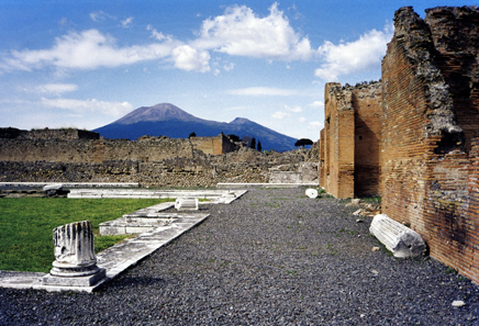 The impressive monuments of Pompeii are difficult to preserve. Photo: Morn the Gorn / http://creativecommons.org/licenses/by-sa/3.0/deed.en
