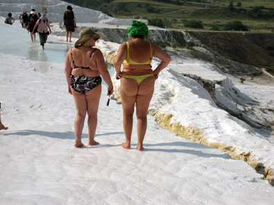The typical tourist is not interested in the site of ancient Hierapolis but in taking a warm bath. Photo: KW.