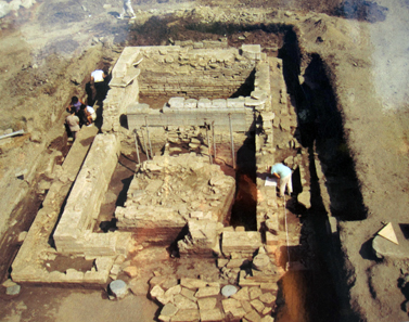 Photo of the excavation in the Artemision on the explanatory panel. Photo: KW.