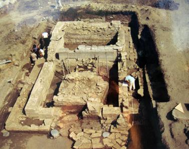 Foto von der Grabung im Artemision auf der erklärenden Tafel. Foto: KW.