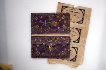 Brieftasche. Frankreich, um 1790. BN Inv. Nr. 88/424, 1-2.