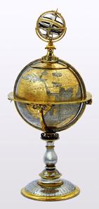 Ein Globus-Pokal des Zürcher Medailleurs Jakob Stampfer (1505-1579) dient als Einstieg ins Thema der neuen Dauerausstellung