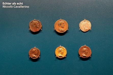 Gruppenansicht der verschiedenen Vorbilder und Ausführungen einer Medaille von Niccolò Cavallerino auf den venezianischen Feldherrn Guido Rangoni (1485-1539).